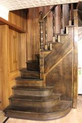 Продам лестницу деревянную бу недорого